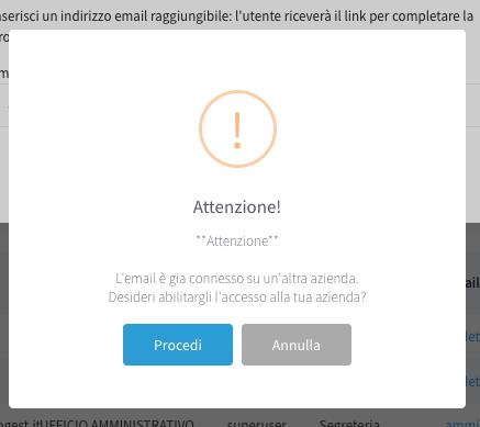 messaggio utente connesso su un'altra azienda